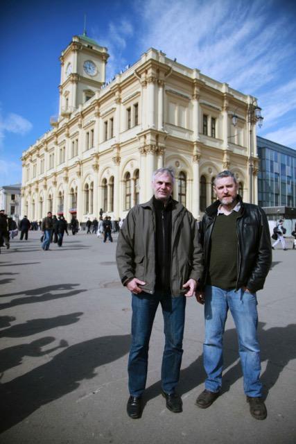 Kameramann Manuel Fenn und Ingo Burghardt nach den Dreharbeiten in Moskau